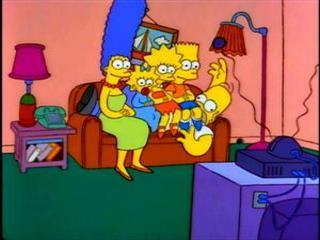 Симпсоны сидят на Гомере