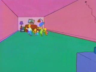 Симпсоны бегут за диваном