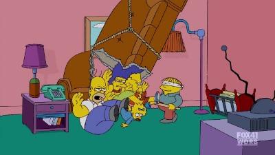 Симпсоны выпадывают из дивана