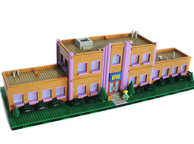 Школа Спрингфилда из лего