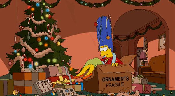 Мардж наряжает елку