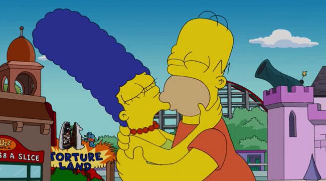 Мардж и Гомер целуются