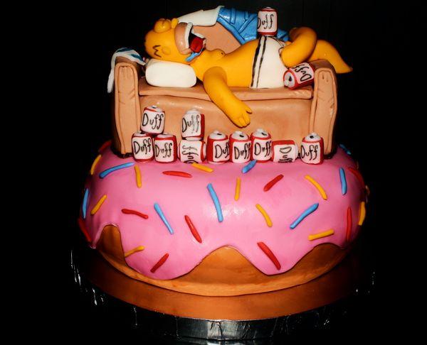 Торт Гомер с пивом Duff