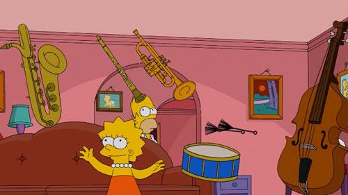 Лиза играет на музыкальных инструментах