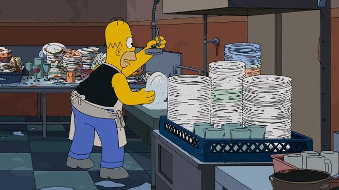 Гомер мойщик посуды
