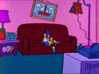 Симпсоны на огромном диване