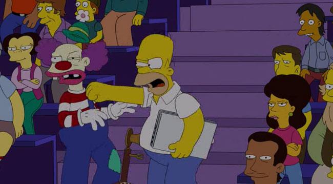 Гомер бьет клоуна