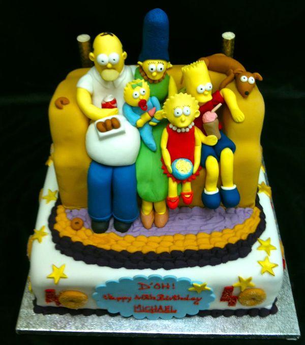 Семья Симпсонов на диване торт
