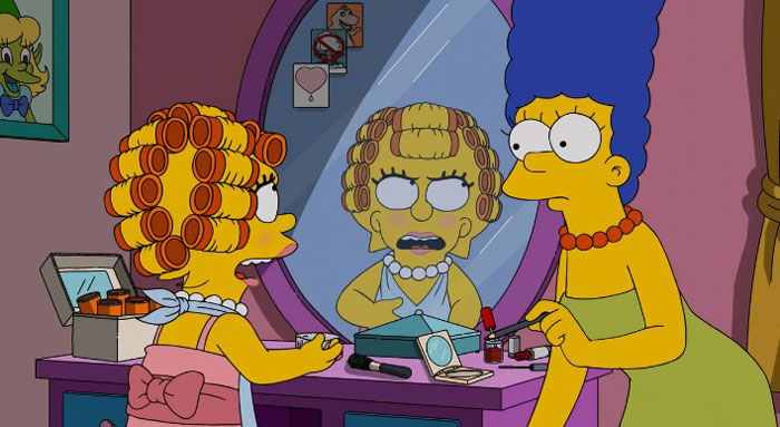 Лиза в косметике