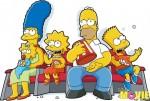 Симпсоны сидят и смотрят кино